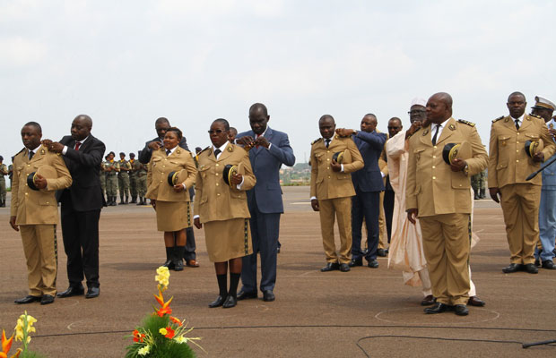 CAMEROUN: During the celebration of the 2017 ICD, Customs officials were promoted and awarded epaulettes. In the front row, the Minister of Finance (centre), the Secretary of State for Defence (left) and the Secretary of State for Justice (right) are promoting three Captains to the rank of Customs Commander by awarding them epaulettes.
