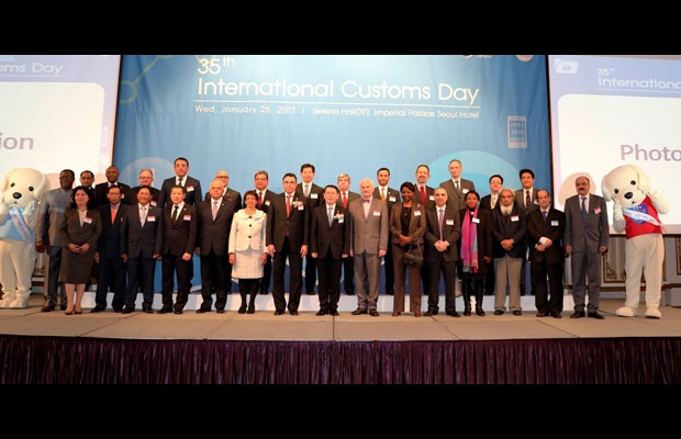 KOREA: The Korea Customs Service (KCS) celebrated International Customs Day 2017 in the presence of foreign ambassadors to Korea as well as representatives from diplomatic missions and related entities. In his speech, the Commissioner of the KCS expressed his willingness to take the lead in matters related to international standards in the Customs area through improved Customs procedures and enhanced national and cross-border cooperation, and to achieve successful outcomes using more effective data analysis in order to implement international standards in the future.