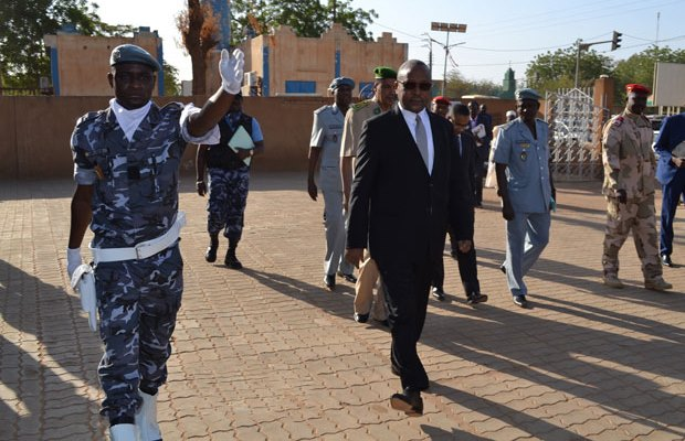 NIGER: Arrival of the Finance Minister at the International Customs Day 2017 celebration, where the awarding of WCO Certificates of Merit took place.