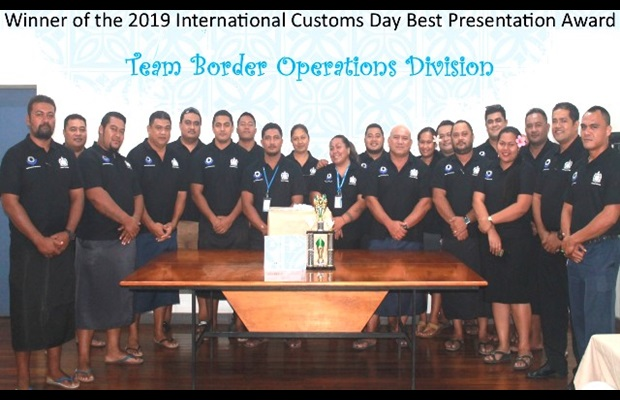 "SAMOA : The festivities organized for ICD 2019 focused on the ""SMART borders"" theme, starting with a special assembly for Customs staff at Matautu to officially open the commemoration, which was followed by a keynote address delivered by the Comptroller and Chief Executive Officer of the Ministry for Revenue; meetings with key Customs stakeholders such as shipping agents and Chamber of Commerce representatives were also held as part of the celebrations."