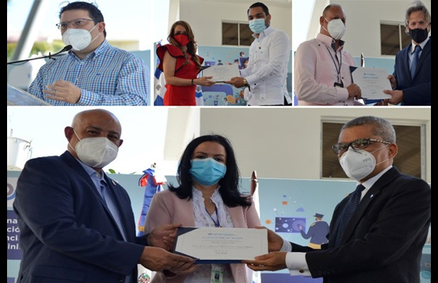 DOMINICAN REPUBLIC : During a celebration held at Customs Headquarters, fifteen colleagues - together with three public sector institutions and two private companies - were awarded a Certificate of Merit for their contribution to the efficient development of Customs services and the facilitation of international trade during the pandemic.