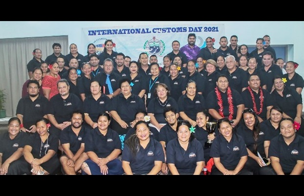 SAMOA : A commemorative service was held at Customs Headquarters for all staff, during which prizes were awarded to the best performing officials and teams. Best wishes to all our officials in Samoa and Customs officers around the world for a Happy ICD 2021!