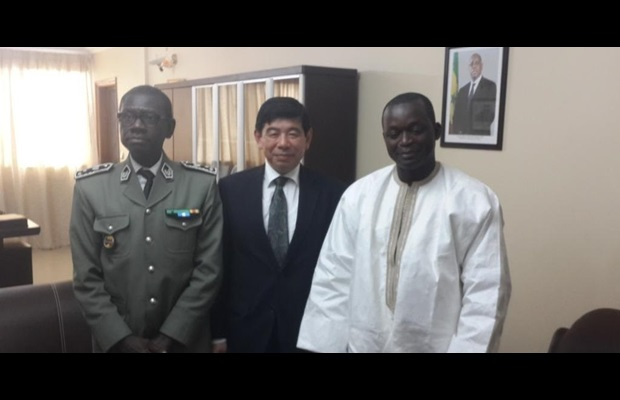 The WCO Secretary General Mikuriya with, on his right, Mr. Sarr, Trade Minister of Senegal and Mr. Gningue, Director General of Senegal Customs