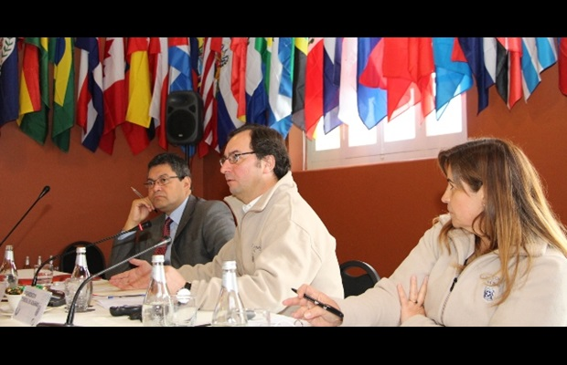 From left to right: Mr. Gonzalo Pereira, Director General of Chile Customs, Mr. Sergio Mujica, WCO Deputy Secretary General, and Ms. Teresa Medina Mora, Secretary of COMALEP and Head of International Affairs of the Mexico Revenue Service.