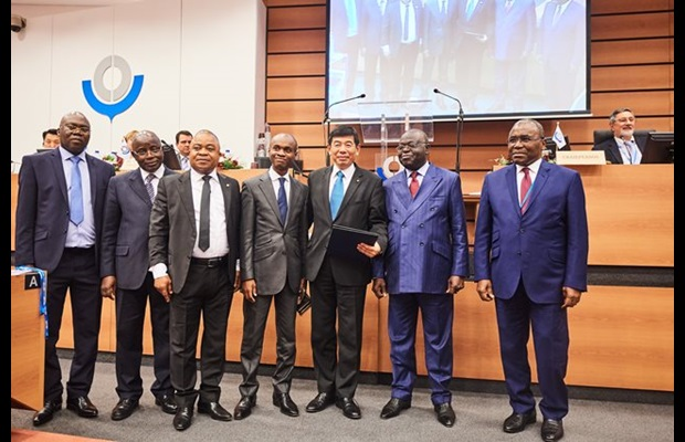 WCO Secretary General Dr. Kunio Mikuriya,  Director General of Congo Customs Mr. Jean-Alfred Onanga, H.E. Ambassador Léon Raphaël Mokoko, and the Congolese delegation at the ceremony