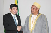 The President of the Comoros, H.E. Dr. Ikililou Dhoinine receives the Secretary General of the WCO, Kunio Mikuriya
