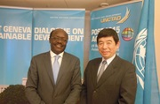 WCO Secretary General Kunio Mikuriya (right) and UNCTAD Secretary General Mukhisa Kituyi (left) meet in Geneva to discuss the two Organizations' efforts to achieve coordinated implementation of the ATF