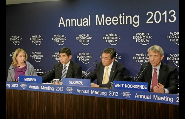 L-R: Elaine K. Dezenski (Senior Director, Head of Partnering Against Corruption Initiative, WEF, Kunio Mikuriya (Secretary General, WCO, Brussels), Koji Sekimizu (Secretary General, IMO, London) and Sander van 't Noordende (Group Chief Executive for Management Consulting, Accenture, USA) participate in the press conference on 'Building Resilience in Supply Chains' at the 2013 Annual Meeting of the World Economic Forum. Photo © World Economic Forum (WEF).