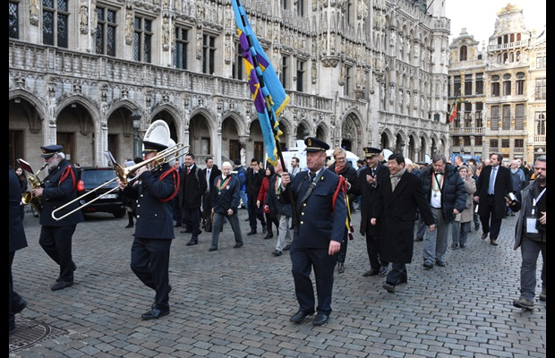 Official procession from Grand Place to Manneken Pis