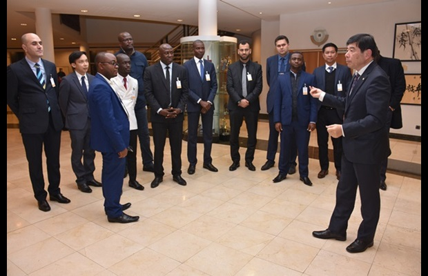 This latest Programme brings together 12 participants who had the opportunity to meet Dr. Kunio Mikuriya, Secretary General, within the framework of a round-table session