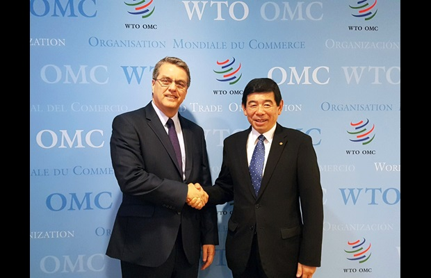 WTO Director General Roberto Azevêdo and WCO Secretary General Kunio Mikuriya during their meeting in the margins of the 6th Global Review of Aid for Trade