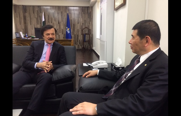 Minister of State and Special Assistant to the Prime Minister for Revenue Mr. Haroon Akhtar Khan during his meeting with WCO Secretary General Mikuriya