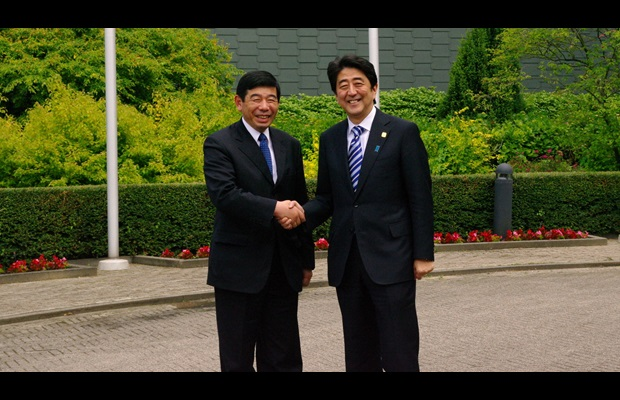 Prime Minister of Japan visits the WCO