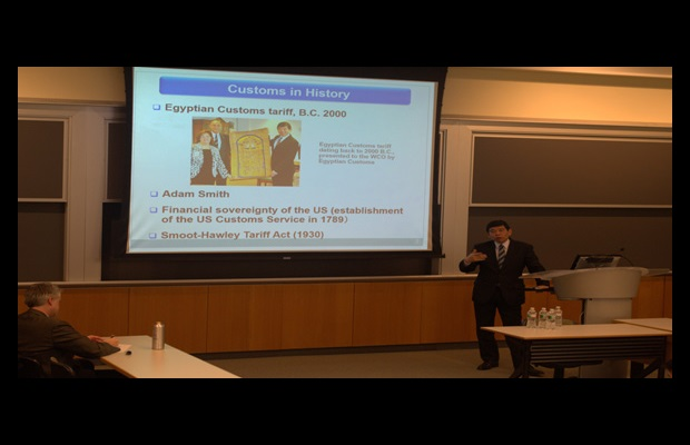Secretary General Mikuriya delivering a lecture at the Lauder Institute, University of Pennsylvania