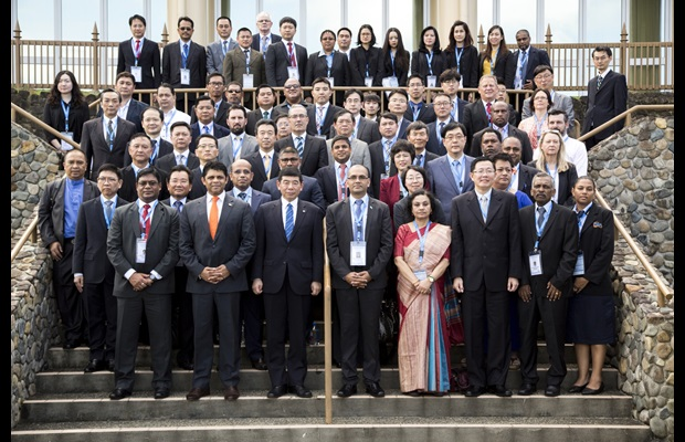 Representatives from 24 countries with Attorney-General and Minister for Economy Aiyaz Sayed-Khaiyum (front row, second from left), WCO Secretary General Kunio Mikuriya (third from left) and Fiji Revenue and Customs Authority CEO Visvanath Das (fourth from left)
