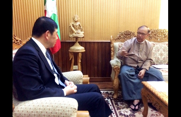 WCO Secretary General Dr. Kunio Mikuriya and Minister for Transport and Communication Mr. Thant Sin Maung