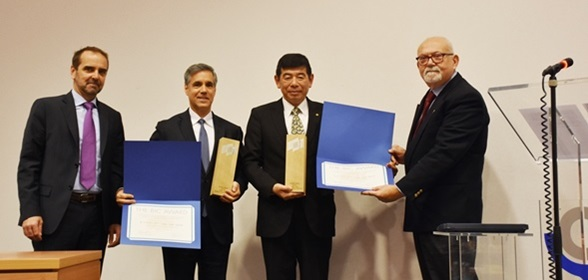 Mr. Douglas Owen, Secretary General of the BIC (far left), and Mr. Giordano Guerrini, BIC Chairman of the Board (far right), presented the BIC Award to Dr. Kunio Mikuriya, WCO Secretary General (right), and to Mr. John Brandolino, Director of the Division for Treaty Affairs, UNODC (left), in recognition of the effectiveness of the UNODC – WCO Container Control Programme (CCP).