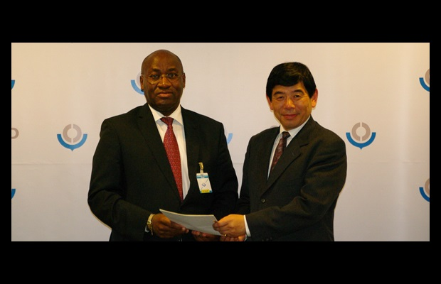 His Excellency the Ambassador of the Republic of Cameroon in Brussels, Mr. Daniel Evina Abe'e, and WCO Secretary General, Mr. Kunio Mikuriya
