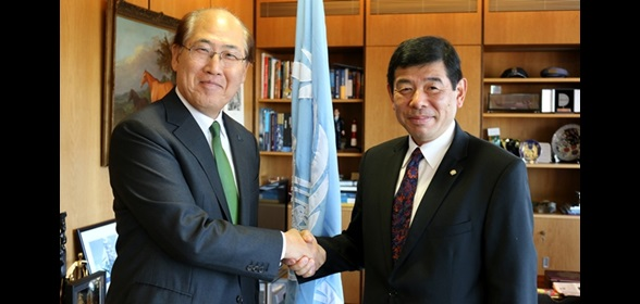 From right to left: WCO Secretary General Kunio Mikuriya and IMO Secretary General Kitack Lim
