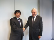 Meeting between the Secretary General of the WCO, Mr. Kunio Mikuriya, and the Executive Secretary General of the European External Action Service (EEAS), Mr. Pierre Vimont, to define future areas of cooperation between the two Organizations