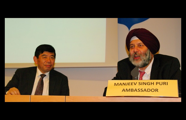 WCO Secretary General Kunio Mikuriya and H.E. Manjeev Singh Puri, Ambassador of India to the European Union, Belgium and Luxembourg