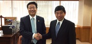 WCO Secretary General, Mr. Kunio Mikuriya, and Korea's Deputy Minister of Finance, Mr. Joo Hyung Hwan