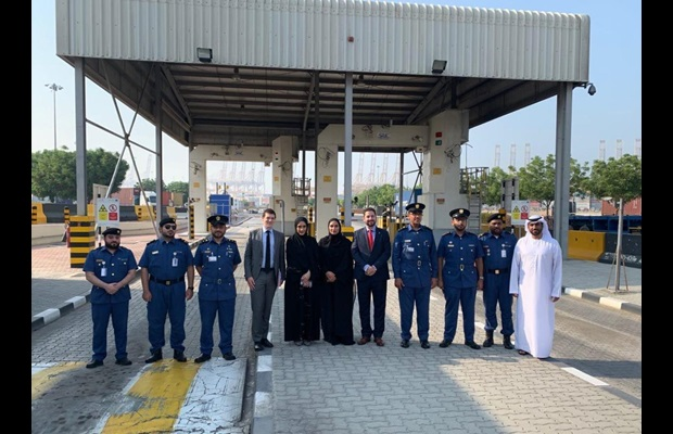 WCO Deputy Secretary General Ricardo Treviño Chapa with the team working at the Dubai's Jebel Ali port