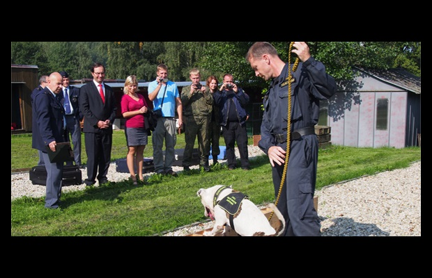 WCO Deputy Secretary General Sergio Mujica attending a practical demonstration at the Customs Canine Training Centre in Hermanice, Czech Republic