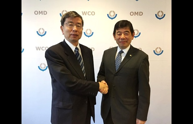 [From r. to l.] WCO Secretary General Kunio Mikuriya and ADB President Takehiko Nakao meet at WCO Headquarters on 27 September 2019 to discuss topics of common interest