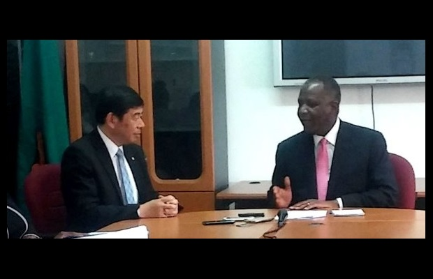 Dr. Mikuriya and Hon. Felix Mutati, Zambian Minister of Finance, discussing Customs reform
